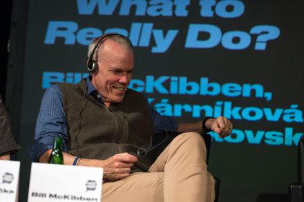 Rozhovor s Billom McKibbenom: Korporácie nám nemôžu diktovať budúcnosť