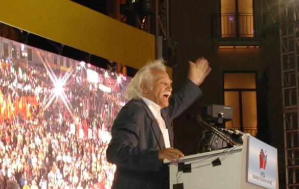 Manolis Glezos: Partizán
